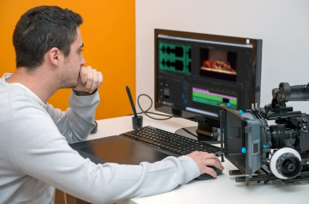 What Factors to Consider When Choosing a Video Editor
